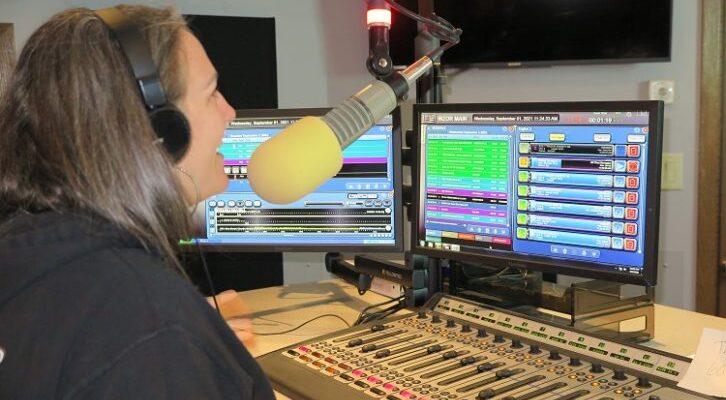Kaytie-at-Woodward-Radio-Groups-WZOR-using-BE-AudioVault-726x484